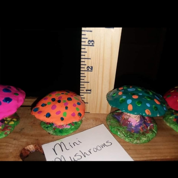 Clay mini mushrooms